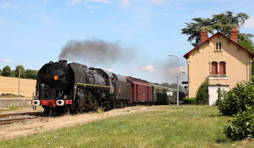 141R840 tows train from Bourges to Clermont-Ferrand (France) on 2012, August 4th