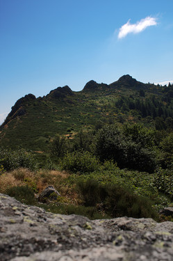 Three Teeth Peak (or is it four ?) (Pilat Mountains, Loire, France)